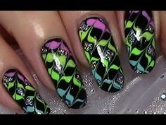 Bunte Silvesternägel / Silvester Nageldesign mit Ziehtechnik / New Years Nail Art Design - YouTube