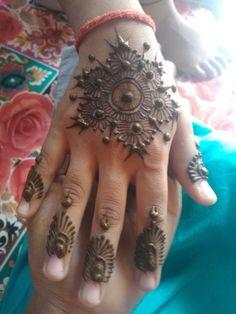Face Yoga, Hand Henna, Hand Tattoos, Nice, Art, Art Background, Kunst, Facial Yoga, Performing Arts