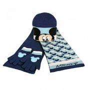 Conjunto de invierno de Mickey Mouse...: http://www.pequenosgigantes.es/uploaded_images/673246926-b.jpg
