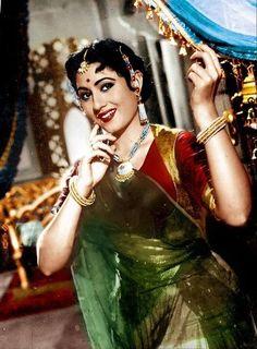 Golden Era of Bollywood Indian Bollywood Actress, Indian Actresses, Actors & Actresses, Vintage Bollywood, India Actor, Beautiful People, Beautiful Women, Vintage India, Vintage Glam