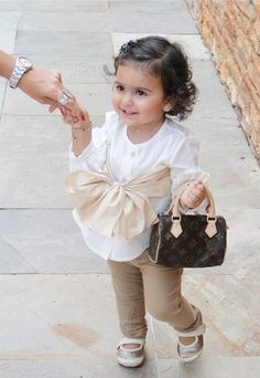 Little Fashionista  http://bebefashion.com