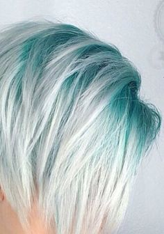 Shadow roots Don't know if I would be brave enough to do this, but I love it!!