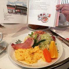 イノダコーヒーの京の朝。 本が出来てまた来ました。嬉しいです。 이노다커피 본점의 <교토의 아침>. 연말이라 그런가 애매한 브런치시간에도 긴 줄을 서 있었어요. 여전히 좋은 재료에 신선한 맛입니다. #교토 #이노다커피 #아침식사 #브런치 #교토의아침 #오사카키친 #일러스트 #여행스케치 #kyoto #inodacoffee #breakfast #morningofkyoto #kitchenofosaka #illustration #colorpencil #travel #京都 #イノダコーヒ #京の朝食 #ブランチ #大阪キチン #イラスト  #旅行 #旅 #旅の絵