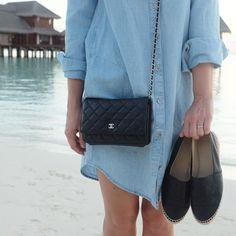chanel espadrilles and wallet on chain WOC, gap denim dress, streetstyle dubai Yasmin_dxb instagram