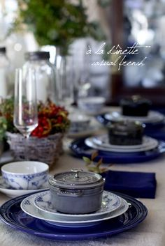{9F55241C-DBC1-4EA8-9438-2BB08A10EF26:01} Royal Copenhagen, Flute, A Table, Tablescapes, Dinnerware, Table Settings, Blue And White, Table Decorations, Tableware