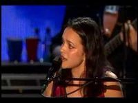 Bonnie Raitt & Norah Jones~Tennessee Waltz ... Now this will put shivers up and down your spine!