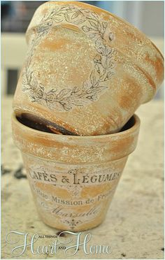 French-inspired terra cotta flower pots with decoupage. Then you can spray them with a matte top coat to seal. Large Flower Pots, Terracotta Flower Pots, Plastic Flower Pots, Modern Plant Stand, Diy Plant Stand, Terra Cotta, Dollar Store Crafts, Dollar Stores, Vasos Vintage