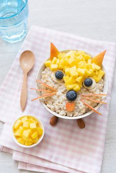 Funny Breakfast For Kids Oatmeal Porridge Funny Breakfast For Kids Oatmeal Porridge. Creative food art on oatmeal porridge cute funny fox face made with fruits and berries Funny Breakfast, Breakfast Plate, Breakfast For Kids, Toddler Meals, Kids Meals, Food Art For Kids, Breakfast Photography, Creative Food Art, Food Carving