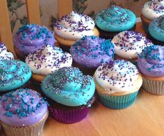 Teal and purple cupcakes Teal Baby Showers, Lavender Baby Showers, Mermaid Baby Showers, Boy Baby Shower Themes, Baby Shower Cupcakes, Baby Shower Balloons, Shower Cakes, Baby Shower Parties, Baby Boy Shower