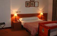 @HostaGranVía #Vigo disponemos de cuna y camas supletorias con precio especial para niños menores (hasta los 10 años)