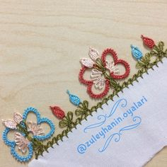 This post was discovered by Yo Thread Art, Embroidery Thread, Needle Lace, Embroidered Flowers, Tatting, Needlework, Diy And Crafts, Crochet Necklace, Weaving