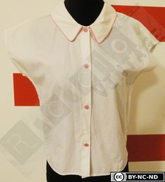 60s white cotton shirt with pink details. V-neck with collar and pink buttons, kimono short sleeves di RCClo su Etsy