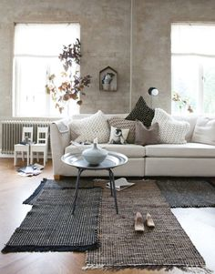 love layered rugs 20 fantastic grey living rooms - The Grey Home Living Room Grey, Home And Living, Living Room Decor, Living Spaces, Living Rooms, Modern Living, Brown Carpet Living Room, Living Area, Nordic Living