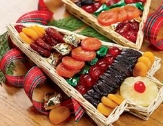 Christmas Tree Fruit Tray | Gorgeous Dried Fruit - Pittman Davis #fruit #fruitgift Perfect Christmas Gifts, Christmas Holidays, Christmas Trees, Holiday Gifts, Best Fruits, Healthy Fruits, Fruit Salad With Yogurt, Fruit Quotes, Fruit Gifts