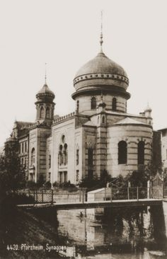 View of the Zerrennerstrasse synagogue in Pforzheim. 1930.