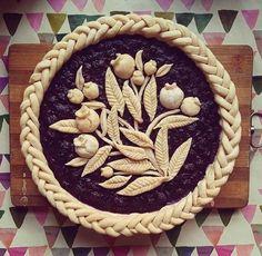 baking pies Beautiful Pie Crusts, Fruit Cake Design, Pie Crust Designs, Pie Decoration, Pies Art, Pie Crust Recipes, Fruit Tart, No Bake Pies, Pie Cake