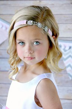 Girls hair accessory Sydney's Dream by ElliesDreamBoutique on Etsy, $11.95