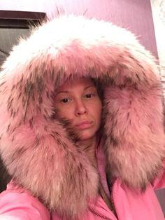 Tienda Online Plus size 2016 marca nueva gruesa caliente rosas de invierno capa de la chaqueta mujeres parka con nat ural real rosa claro grande cuello de piel con capucha | Aliexpress móvil