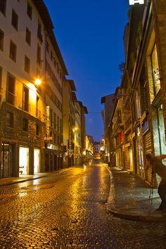 night italian street scene