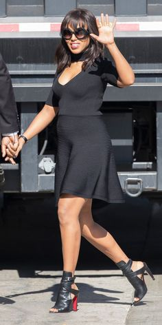 Kerry Washington Shows Off Her Baby Bump in a Chic All-Black Look - Total Street Style Looks And Fashion Outfit Ideas
