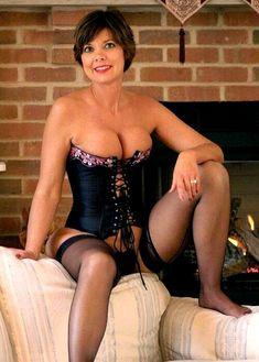 Pretty Mature Woman In Corset
