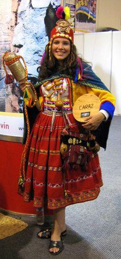 TRAJES TIPICOS DEL PERU Traditional Peruvian Dresses http://www.southamericaperutours.com/peru/8-days-peru-the-heart-of-the-incas.html