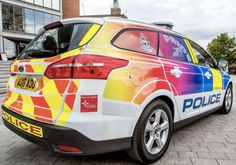 Inglaterra: Coche patrulla gay para luchar contra la homofobia