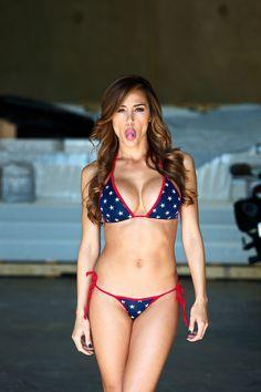 Las Bellas y Sexys: La siempre hermosa Ana Cheri en esta sesión de fotos