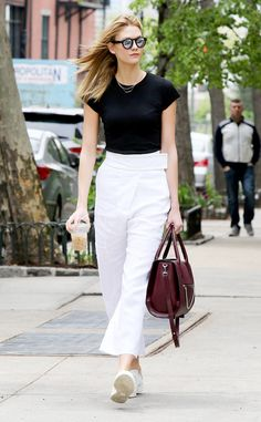 Karlie Kloss from Stylish Celeb Coffee Runs  The model's a tall order herself, so it's only natural her cup is, too.