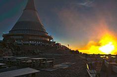 By Venca Trawexx Travnicek Sunrise, Tower, Building, Travel, Scenery, Rook, Viajes, Computer Case, Buildings