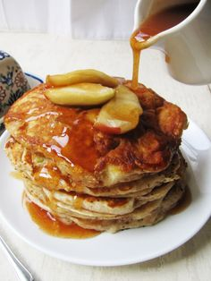 Oh boy! Apple Buttermilk Pancakes with Apple Cider Syrup. Just imagine how delicious this is!  An Apple that charges your phone? Better believe it: Apelpi.com
