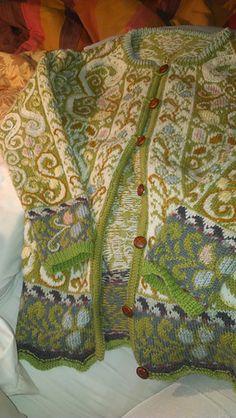 Knitting Patterns Cardigan Ravelry: Karen& s Lithíriel jacket Punto Fair Isle, Textiles, Norwegian Knitting, Fair Isle Pattern, Fair Isle Knitting, Knitting Designs, Knitting Projects, Knit Or Crochet, Pulls