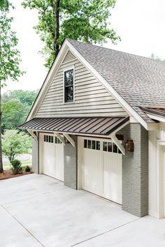 Up House, Garage House, House Front, Garage Door Design, Garage Doors, Garage Exterior, Building A Garage, Building A House, Garage Plans