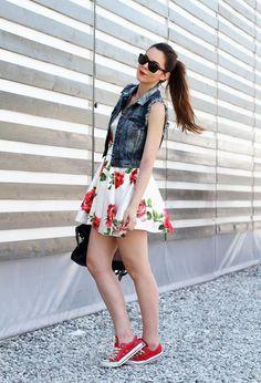 Zapatillas y vestido