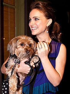Natalie Portman all smiles with Dog :)
