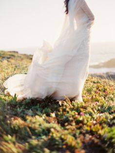 Flowing dress on the California hills: http://www.stylemepretty.com/2014/11/22/california-coast-engagement-wedding-inspiration/ | Photography: Jacque Lynn - http://jacquelynnphoto.com/