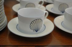 Fitz and Floyd Nobilis MCMLXXX porcelain, 75+ pieces to include plates, cups and saucers. Service for 8.