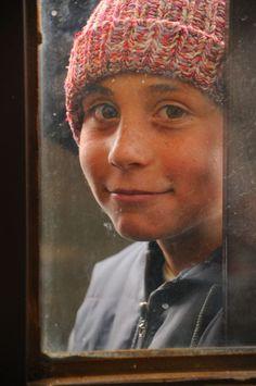 """F.Hande Batmaz """"Bir Çocuk Gördüm Uzaklarda"""""""