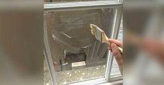 Ella pone almidón de maíz en la ventana y revela un truco del que no tenía ni idea.
