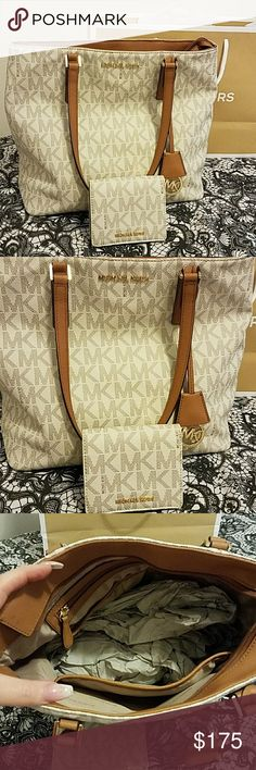 Michael Kors Leather Medium Bag and Wallet Michael Kors Authentic Excellent Condition Leather Bag And Wallet Bag Is A Medium Size And Wallet Is A Small Size No Flaws On Either Gold Hardware Zip Closure On Bag Snap Closure On Wallet  Color : Creme /Brown /Gold Size : Medium  * Bundle To Save * MICHAEL Michael Kors Bags Shoulder Bags