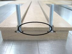 Make Your Own T-Tracks / Fabriquer ses propres rails en T