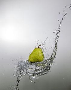 ˚Pear High Speed Photography, Motion Photography, Time Lapse Photography, Splash Photography, Object Photography, Fruit Photography, Creative Photography, Splash Fotografia, Fruit Splash