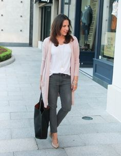 Fall Outfit | Long Pink Cardigan | Gray Skinny Jeans | Lady in Violet Fashion Blogger