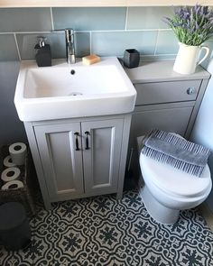 Small Bathroom Interior, Bathroom Design Small, Family Bathroom, Bathroom Tub Shower, Bathroom Ideas, Shower Rooms, Small Toilet Room, House Cladding, Downstairs Toilet