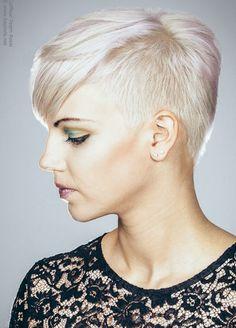 Platina Blonde Kapsels - Korte Kapsels