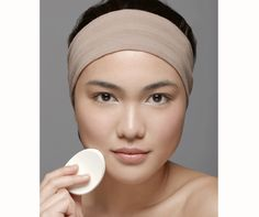 9 mistakes you could be making when applying your foundation...