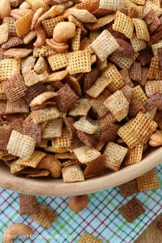 It's time to make Snack Mix for Christmas! Add Homemade Chex Mix or your favorite Snack Mix to decorated boxes. Snack Mix Recipes, Real Food Recipes, Jelly Cookies, Shortbread Cookies, Homemade Chex Mix, Party Mix Recipe, Bite Size Food, Dessert For Dinner, Easy Snacks