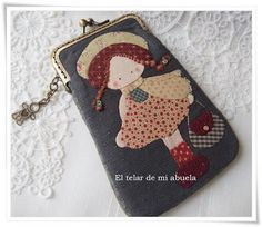 Hand Embroidery Designs, Floral Embroidery, Fabric Wallet, Frame Purse, Small Sewing Projects, Cute Stationery, Love Sewing, Quilted Bag, Felt Dolls