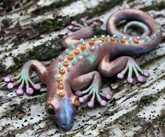 Polymer Clay and Mixed Media together at last... gecko project by Laurie Grassel for the Friesen Project
