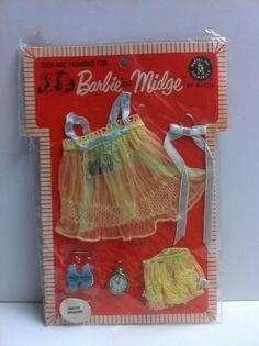 Vintage Barbie Midge Pak 'Sweet Dreams' A Beautiful Dreamy Nightie Barbie Paper Dolls, Play Barbie, Barbie Skipper, Barbie Dream, Barbie And Ken, Barbie Stuff, Vintage Toys 1960s, Vintage Barbie Clothes, Vintage Dolls